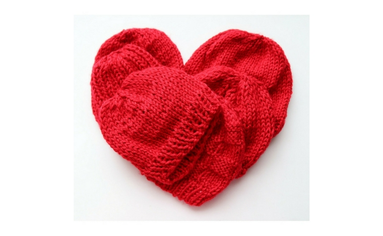 My contribution to last year's Little Hats Big Hearts Campaing held by the American Heart Association. These hats were made using free knit and crochet patterns.